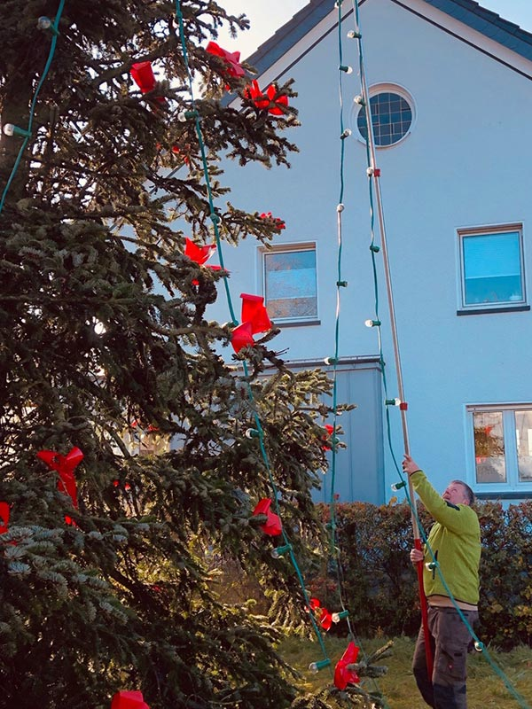 weihnachtsbaum aufstellen 2019 interessengemeinschaft. Black Bedroom Furniture Sets. Home Design Ideas